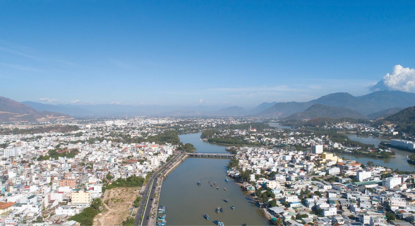 Bất động sản khu dân cư ven sông Cái nhận được sự quan tâm khi khu vực này đang được đầu tư về quy hoạch giao thông, tiện ích công cộng.